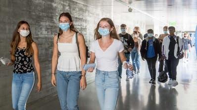 Auch an der Kantonsschule Alpenquai gilt seit Anfang des Schuljahres das Schutzkonzept. (Bild: Nadia Schärli (Luzern, 17. August 2020))