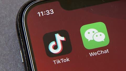 Zu alt für TikTok? Referent Thomas Hutter erklärt an der East Digital Conference die chinesische App - und gibt Tipps, wie Unternehmen sie nutzen können. (Bild: Keystone)