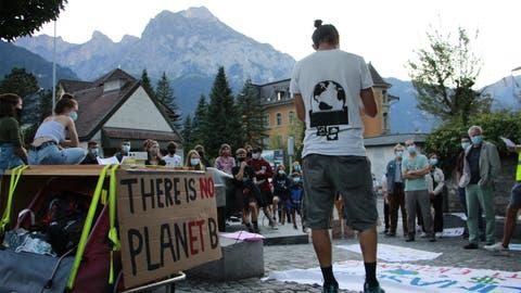 Die Uhr tickt: In Altdorf wurde gegen den Klimawandel protestiert. (Bild: PD)
