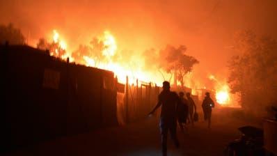 Feuer im Flüchtlingslager in Moria unter Kontrolle – Krisentreffen in Athen