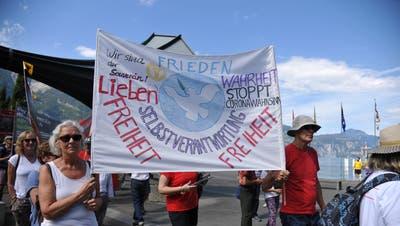 Anti-Corona-Demo in Flüelen und Altdorf am 5. September 2020. (Bild: Urs Hanhart / Urner Zeitung)