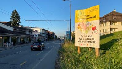 Ja-Plakate stehen derzeit überall im Dorf – so wie hier an der Luzernerstrasse. (Bild: Roman Hodel (Ebikon, 8. September 2020))
