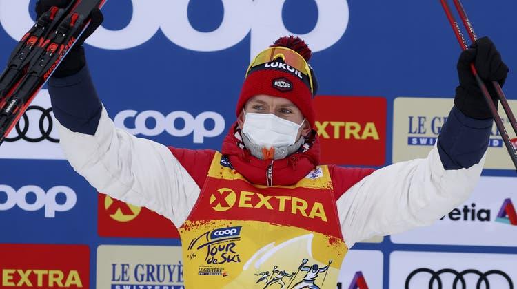 3:24 Minuten Vorsprung hat Alexander Bolschunow auf den ersten Verfolger. Das schaffte vor ihm noch keiner. (Keystone)
