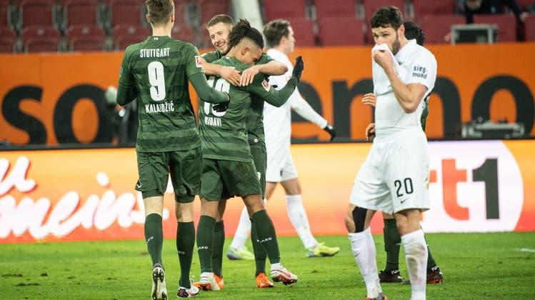 Die in Grün gekleideten Stuttgarter dürfen sich über drei Punkte in der Fremde freuen. (Keystone)