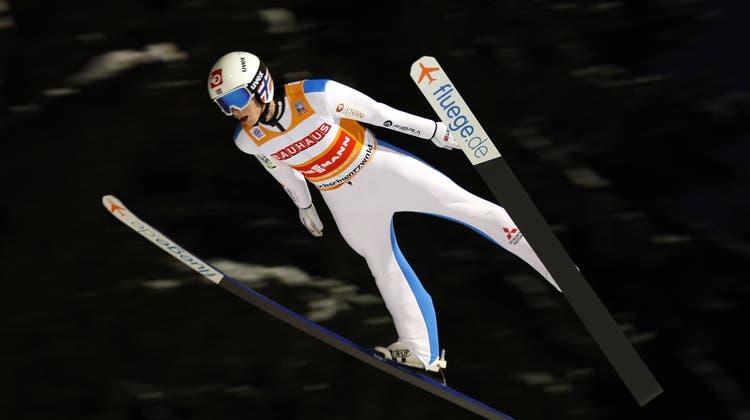 Halvor Egner Granerud war am Sonntag im zweiten Weltcup-Springen in Titisee-Neustadt nicht zu bezwingen. (Keystone)