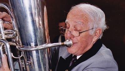 Walter Wipfli an der Basstuba. (Bild: PD)
