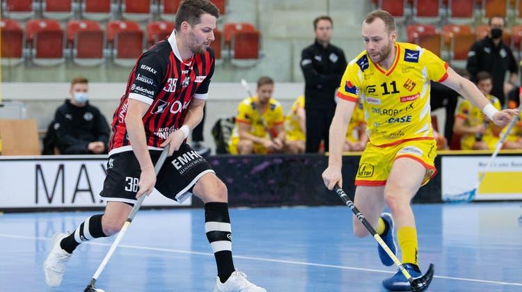 Jan Danis und Ad Astra Sarnen sind gegen Rychenberg auf verlorenem Posten. (Bild: Markus Aeschimann/swiss unihockey (Winterthur, 10. Januar 2021))