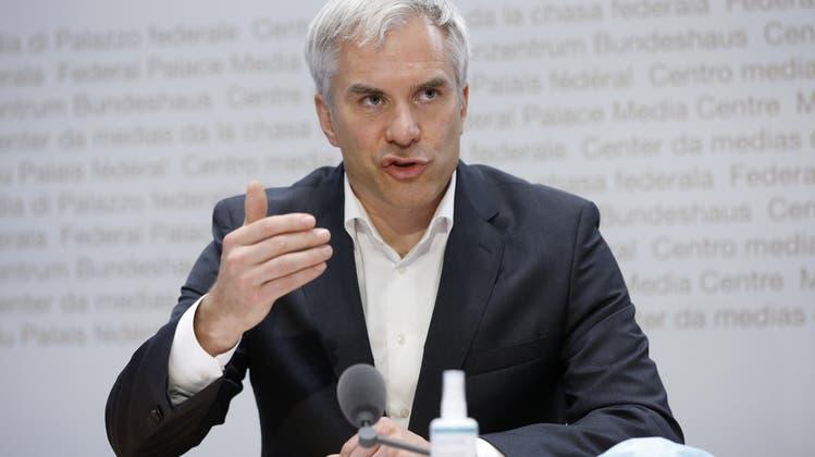 Kommuniziert nüchtern, gradlinig und ehrlich: Martin Ackermann, Chef der wissenschaftlichen Taskforce. (Keystone (Bild: Bern,12. November 2020))
