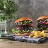 Fleisch oder Pflanze? Diese Burger sind vegan. (Bild: PD)