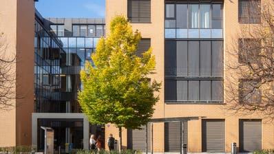 Der Kanton St.Gallen will in Rorschach ein Kompetenzzentrum für Gesundheitsberufe aufbauen. Damit fallen die Standorte des Berufs- und Weiterbildungszentrum für Gesundheits- und Sozialberufe in der Stadt weg - entgegen den Willen des Stadtrats. (Arthur Gamsa)