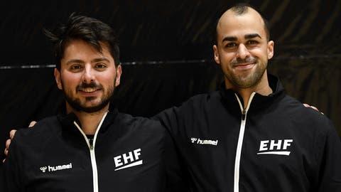 Die Schweizer Spitzenschiedsrichter Arthur Brunner und Morad Salah. (Bild: Alexander Wagner)