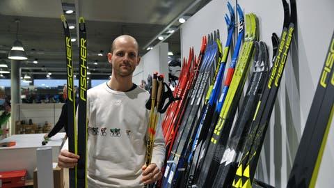 Michi Achermann verkauft Wintersportartikel in Stans, Engelberg und Alpnach. Der«Lockdown» ist für ihn wie ein Saisonende. (Bild: Urs Hanhart (Stans, 14. Januar 2021))