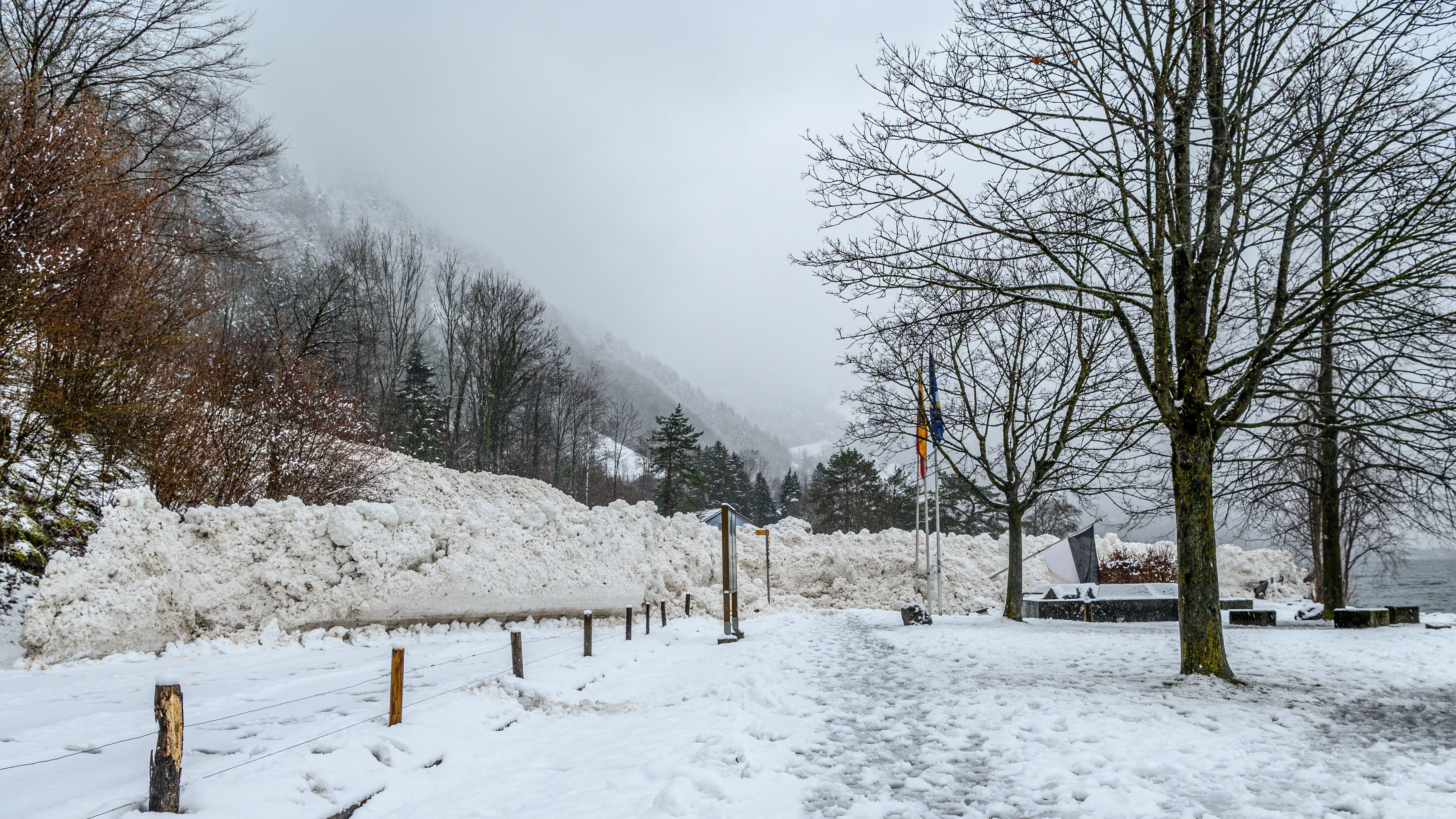 Die zweite Lawine brachte noch viel mehr Schnee als die erste.