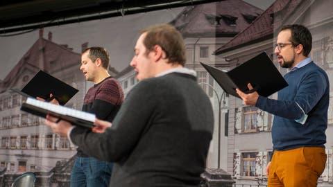 Kein Klassik-Openair auf dem Trogner Landsgemeindeplatz – sondern die Hauptprobe vor dem ersten Kantaten-Geisterkonzert der Bachstiftung in der Olma-Halle 2. Vorerst finden die Kantatenaufführungenunter Studiobedingunen statt und kommen als Livestreams zum Publikum. (Bild: Arthur Gamsa)