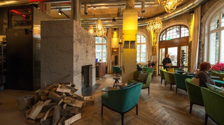 Das Hotel Anker gehört zu den Luzerner Hotels, die noch immer offen sind. (Dominik Wunderli)