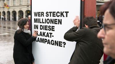 Auch auf nationaler Ebene wird mehr Transparenz gefordert. Geht es dort um Millionenbeträge, wird in der Wiler Lokalpolitik deutlich weniger investiert. (Bild: Peter Schneider / KEYSTONE)