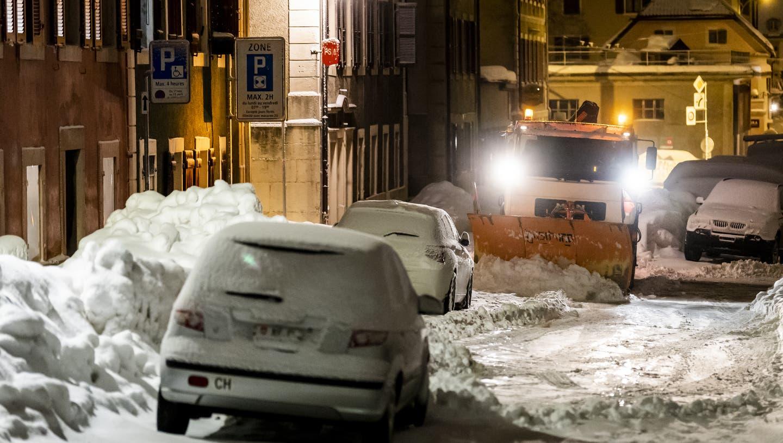 Zum Wochenstart wirds nochmals winterlich in weiten Teilen des Landes. Entsprechend ist auf den Strassen Vorsicht geboten. (Symbolbild) (Keystone)