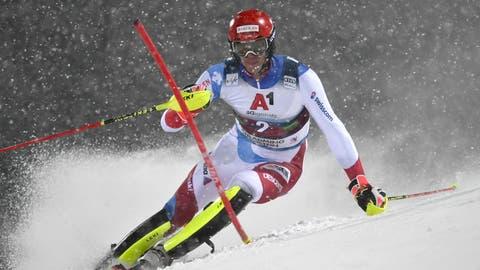 Im Schneetreiben von Schladming suchte Ramon Zenhäusern die perfekte Linie, fand sie aber nicht ganz. (Keystone)