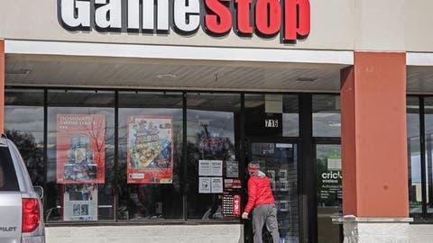 Die Videospiel-Kette Gamestop hat seine besten Tage hinter sich. Doch diex Aktien gehen plötzlich durch die Decke. (Quelle: Alamy)