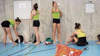 Hartes Training gibt Durst bei den Rhythmischen Gymnastikerinnen. (Bild: Urs Lindt)