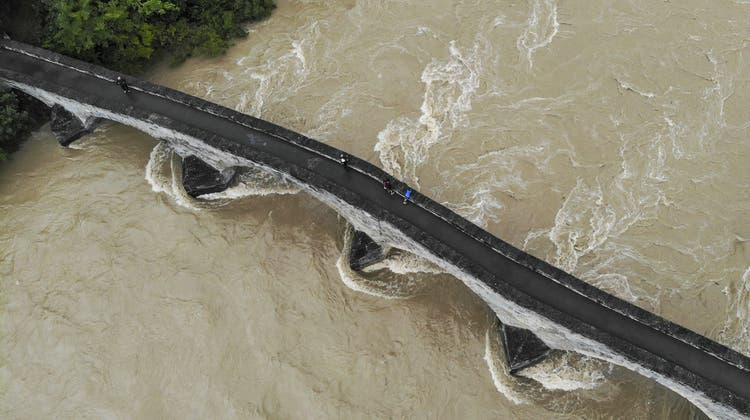 Die Thur führt derzeit wieder viel Wasser. In der Vergangenheit kam es immer wieder zu Überschwemmungen. (Archivbild) (Keystone)