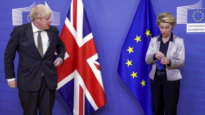 Musste nach Telefonat mir Premierminister Boris Johnson zurückkrebsen: EU-Kommissionspräsidentin Ursula von der Leyen. (Archiv) (Keystone)