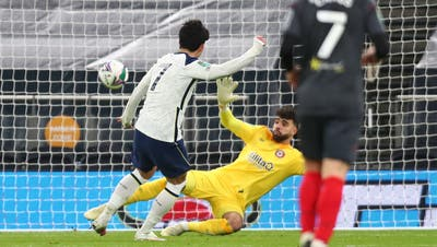 Das entscheidende Tor: Tottenhams Stürmer Heung-min Son trifft zum 2:0 für sein Team. (Keystone)