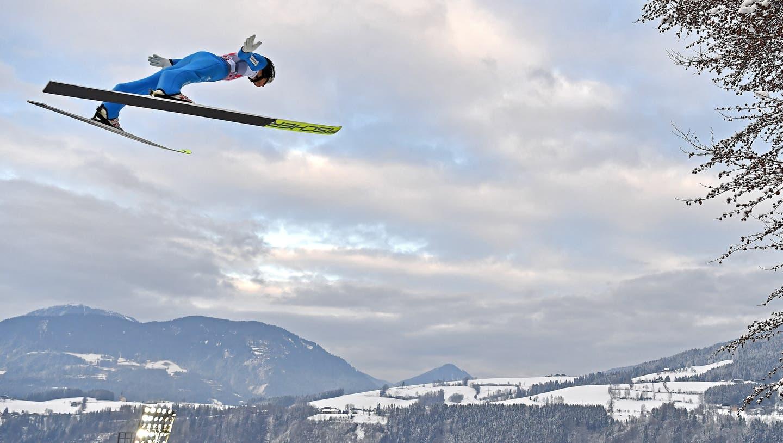 Gregor Deschwanden gelingt im österreichischen Bischofshofen kein guter Sprung. (Keystone)