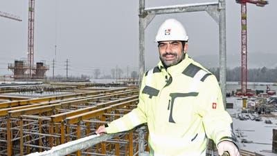 Projektleiter Giovanni Corrado auf der Lidl-Baustelle in Weinfelden. (Bild: Mario Testa (Weinfelden, 6. Januar 2021))