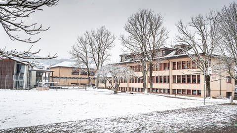Die Schulanlage mit Sek- und Primarschule sowie Turnhalle in Eschenz. (Bild: Andrea Stalder)