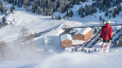 Die Skilifte im liechtensteinischen Skigebiet Malbun sind auch über die Festtage gelaufen. Die Besucherzahl ist allerdings begrenzt. Es gelten die üblichen Coronaschutzmassnahmen für Skigebiete. (Bild: Günter Lenz)