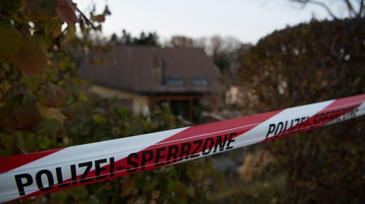 Die Tat wurde vermutlich in einer Wohnung in einem Mehrfamilienhaus in Bern verübt. (Symbolbild) (Keystone)