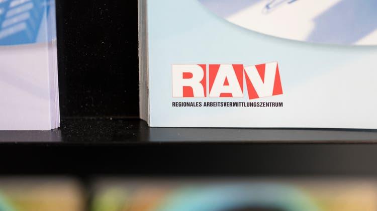 Die RAV-Zentren waren trotz Kurzarbeitsentschädigung dieses Jahr stark gefordert. (Keystone)