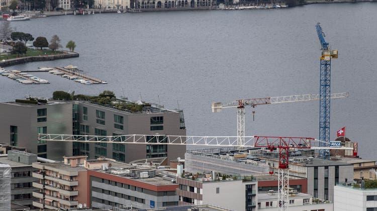 Ein Mann verstarb bei Bauarbeiten in der Gemeinde Paradiso bei Lugano. (Symbolbild) (Keystone)