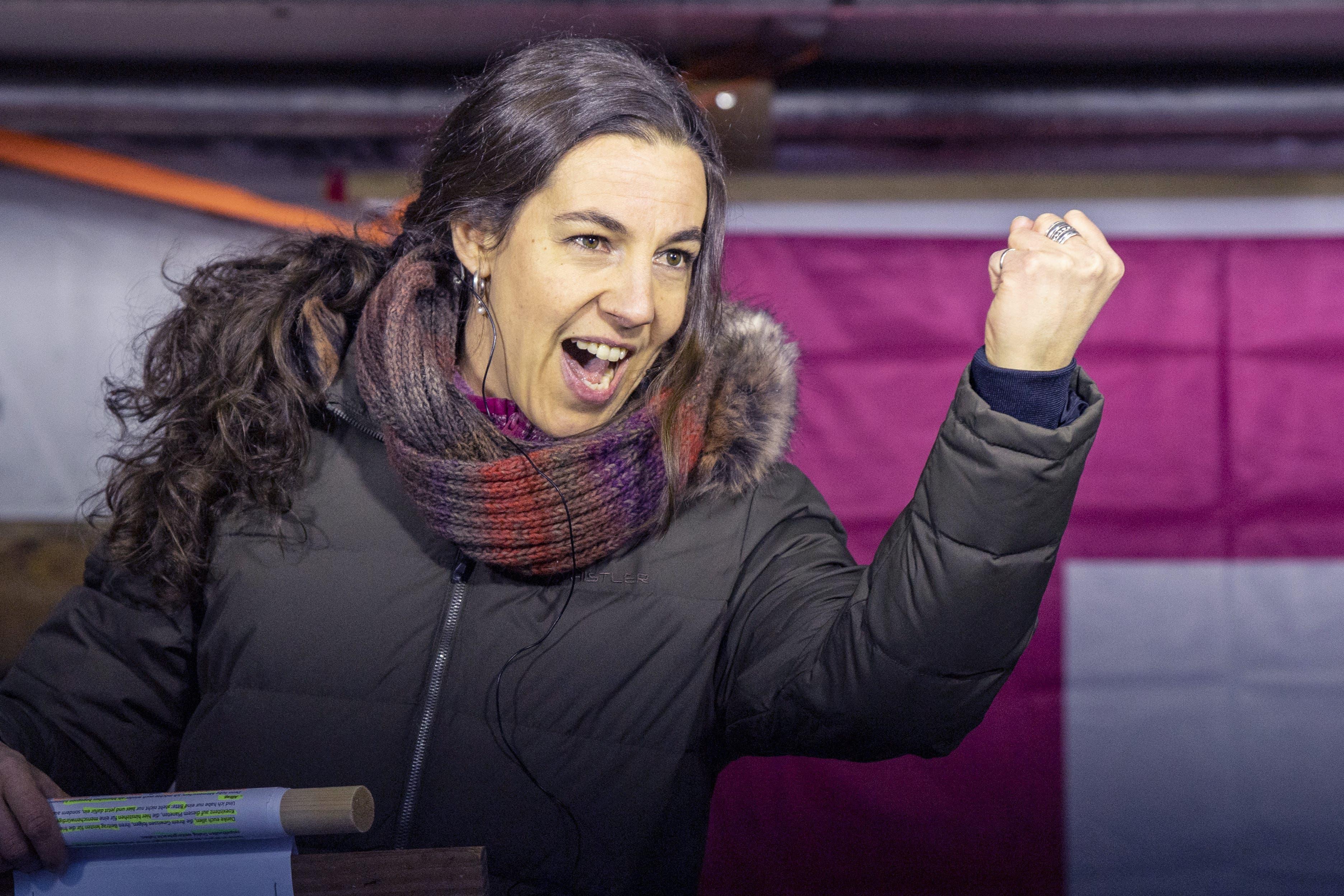 Auch die Lehrerin Prisca Würgler aus Erstfeld hielt eine Rede in Schwyz.