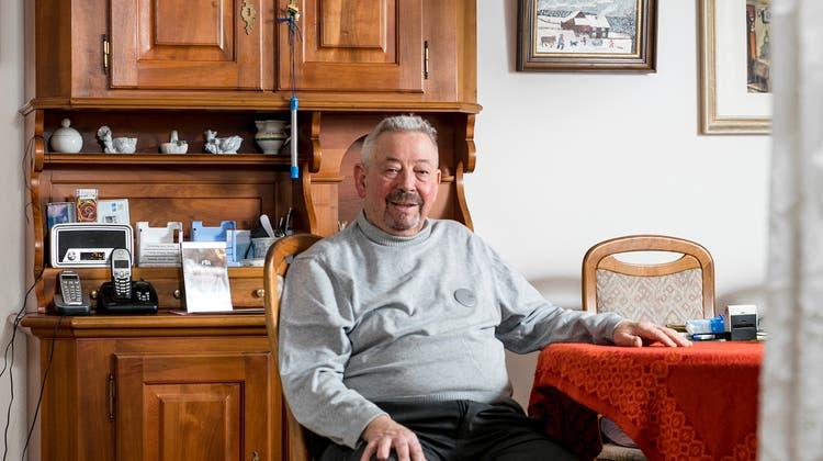 Heiri Lüthi feiert seinen 90. Geburtstag. Der Schlieremer Metzger machte seine Kundschaft jahrzehntelang mit seinen Fleisch- und Wurstwaren glücklich. Noch heute schwört er auf seine Spezialitäten. (Sandra Ardizzone)
