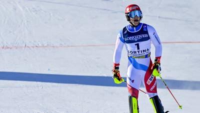 Eine Mischung aus Ärger und Freude beim Zieleinlauf: Loïc Meillard scheidet im Mittelteil beinahe aus und holt trotzdem Bronze. (Keystone)