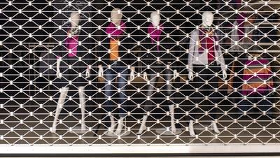 Ein geschlossenes Modegeschäft: Ob dieser Zustand im März anhält, bleibt derzeit offen. (Keystone)