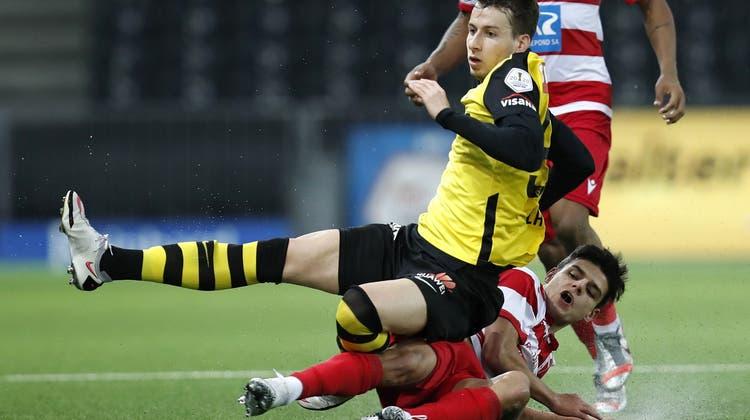 Kennt keine Angst: Sandro Lauper (gelbes Trikot) von den Young Boys. (Keystone)