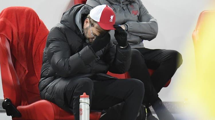 Mag gar nicht mehr hinsehen: Liverpool-Trainer Jürgen Klopp. (Keystone)