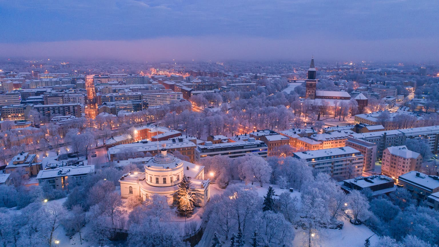 Die Finnen kennen sich aus mit finsteren Zeiten – wir haben in Turku nachgefragt, wie sie diese überstehen
