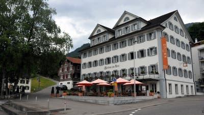 Das Hotel Kreuz in Sachseln. (Bild: Archiv Obwaldner Zeitung (12. Juni 2015))