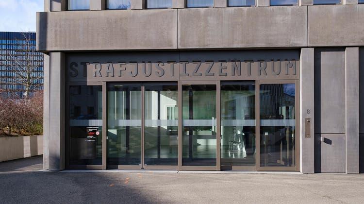 Aussenaufnahmen des Strafjustizzentrums Muttenz. (Kenneth Nars)