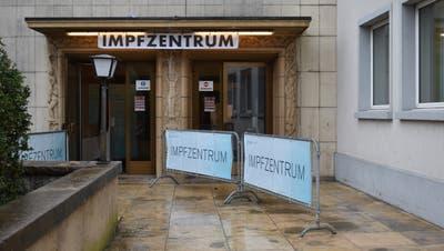 Am Montag nahm der Impfstandort in Rheinfelden den – vorerst reduzierten – Betrieb auf. (Nadine Böni)