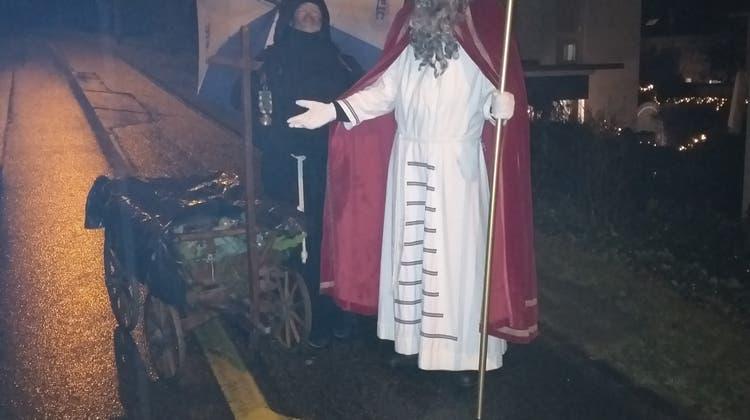 St. Nikolaus zu Besuch im Quartier Bauhalde-Schiffmühle