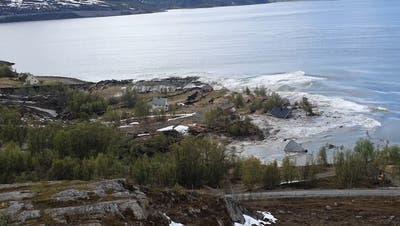 Gewaltiger Erdrutsch in Norwegen: Hier gleiten die Häuser ins Meer