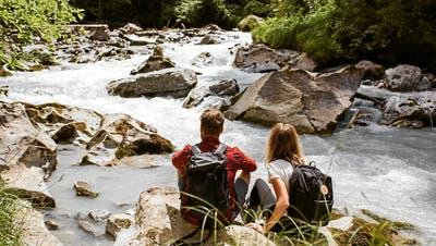 Ganz schön kühl hier! Unsere Reisen-Redaktoren verraten ihre liebsten Schweizer Badeorte