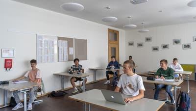 Zwei-Meter-Regel wird nur leicht gelockert: Für Kantone bleibt«normaler Vollzeitunterricht» an Gymnasien unmöglich