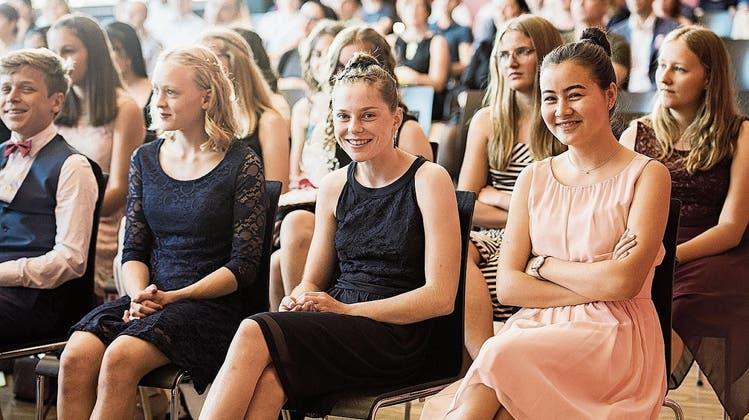 Vier Schlussfeiern in Lenzburg – Schulleiter geht vorzeitig in Pension