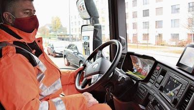Mit dem Kehrichtwagen durch Windisch: Die Arbeit ist hart – und systemrelevant